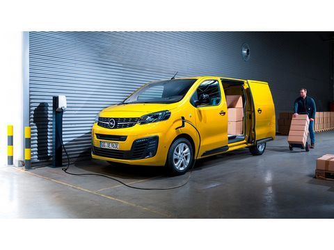 Opel VIVARO e-Van M Comfort 136 hv automaatti 50 kWh